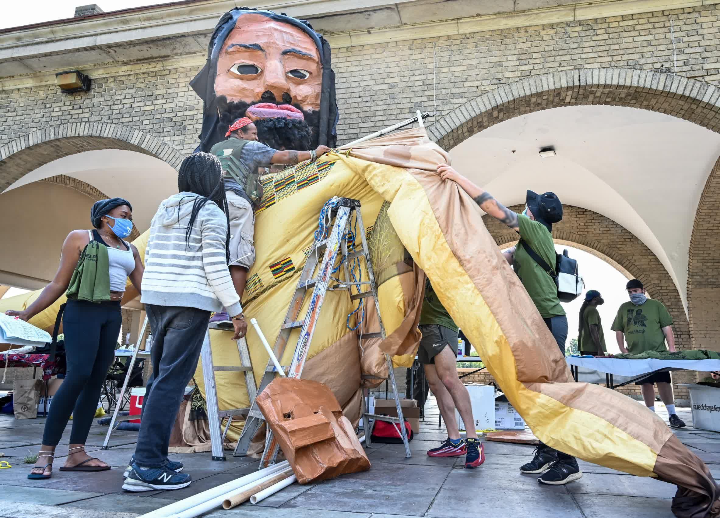 Constructing Mumia Puppet